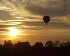 romantic-champagne-balloon-ride